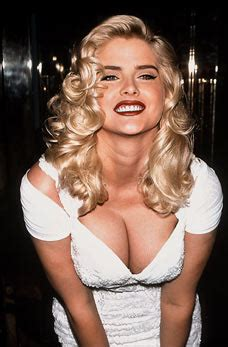 Sexiest Girl Ever: Anna Nicole Smith - Beauty before RIP