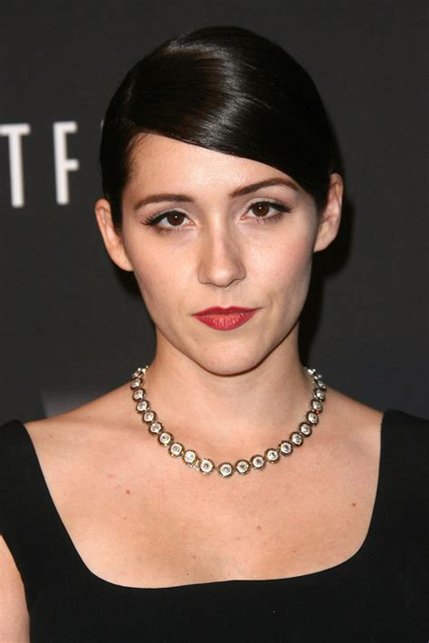 Shannon Woodward - Shannon Woodward Photos - Arrivals at