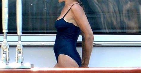 Sarah Jessica Parker Bathing Suit Body: Pictures from
