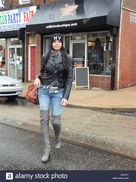 'Mob Wives' star Alicia DiMichele out and about in South