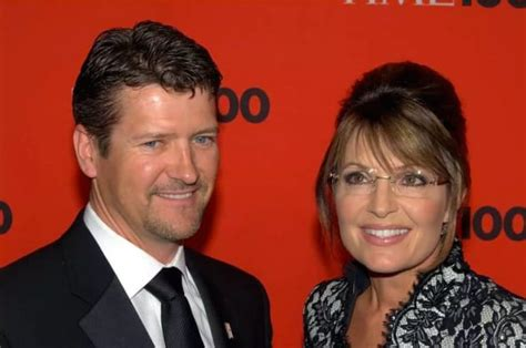 13 Stars Who Married Their High School Sweethearts - The
