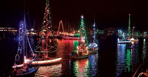 Designing A Holiday Lights Display For Your Boat - BoatUS