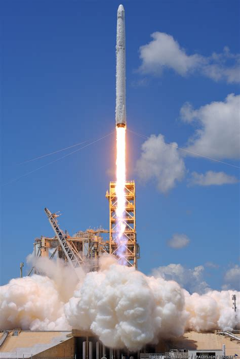 Gallery: SpaceX launches CRS-12 into space, lands Falcon 9